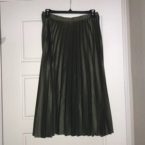 Olive green pleated midi skirt